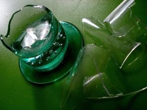 zerbrochenes Glasvase