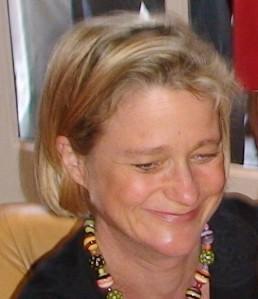 """Delphine Boël bei ihrer Autogrammstunde zur Veröffentlichung ihres Buches """"Die Nabelschnur durchtrennen"""""""