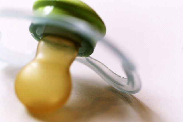 Foto von einem Schnuller - http://www.sxc.hu/profile/trolf